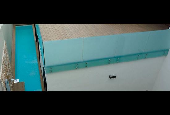 Puertas Pucho y Tarimatec te ayudan a poner a punto tu terraza con vistas a la llegada del verano